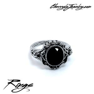 Jewelry - Silver Fashion Ring with Black Stone